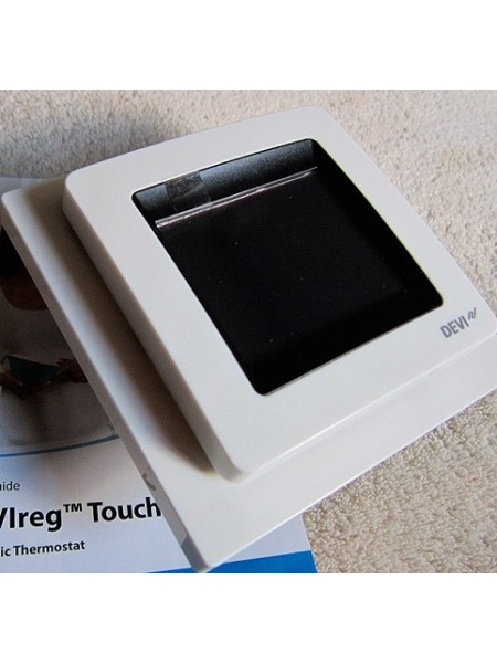 Терморегулятор для теплого пола DEVI reg Touch  белый